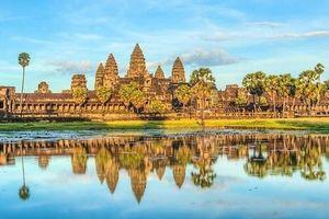 Campuchia cấm du khách ăn uống, chạy xe cơ giới gần đền Angkor Wat
