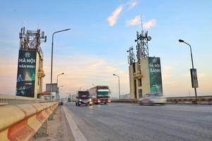 Mặt cầu Thăng Long xuống cấp, rung bần bật khi xe ô tô đi qua