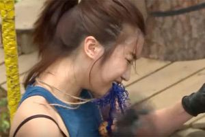 Hoa hậu Mỹ Linh khóc thét khi thực hiện thử thách ở Cuộc đua kỳ thú