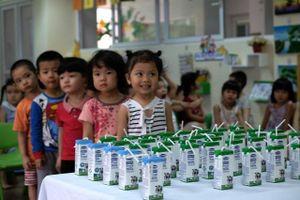 Bộ Y tế nói gì về việc chậm ban hành hướng dẫn sữa tươi học đường?