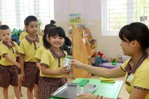 Bộ Y tế cố tình chậm ban hành thông tư về sữa học đường?