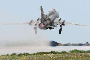 Phiến quân bắn hạ máy bay chiến đấu của không quân Syria tại Idlib