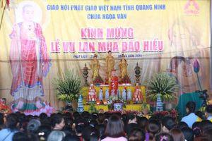 Dòng người nườm nượp đổ về chùa Ngọa Vân dự lễ Vu Lan báo hiếu