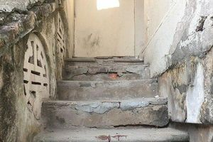 Nam thanh niên đâm chết đồng hương rồi tự sát: Mâu thuẫn trong lúc ăn đêm