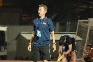 HLV Hoàng Anh Tuấn chia tay U18 Việt Nam sau giải đấu đáng thất vọng