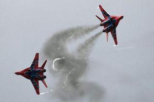Xem chiến đấu cơ Nga nhào lượn, bắn hạ mục tiêu tại Giải Avidadarts-2019