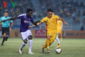 Vòng 21 V-League 2019: Thanh Hóa mất 'siêu tiền đạo', TP HCM gặp khó