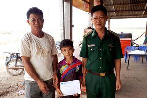Viết tiếp ước mơ cho học sinh nghèo Campuchia