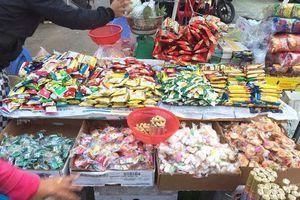 Rằm tháng 7: Đồ cúng, vàng mã 'thất thu', thực phẩm chay đắt khách