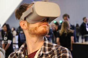Hãng hàng không Anh cho hành khách dùng thử tai đeo thực tế ảo