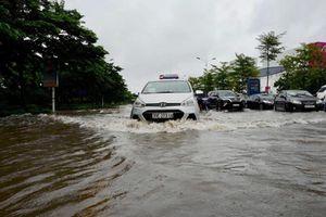 Thoát nước trên địa bàn quận Long Biên: 'Tự chảy' đến bao giờ?