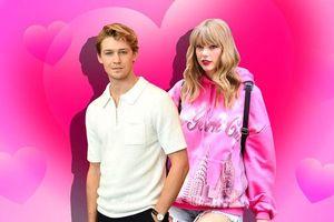 Nghe ngay 'át chủ bài' từ album Lover: Chào đón kỷ nguyên ngọt ngào và nồng nàn từ Taylor Swift