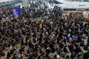 Bộ Ngoại giao khuyến cáo công dân Việt Nam hạn chế đến nơi tụ tập đông người ở Hong Kong