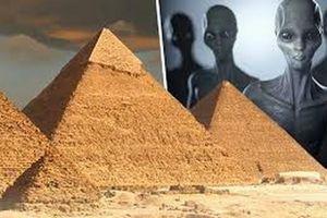 Vật thể bay lạ nghi vấn 'người ngoài hành tinh' xuất hiện gần kim tự tháp Ai Cập?