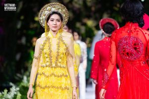 Hoa hậu Myanmar xinh đẹp lộng lẫy khi diện áo dài Việt