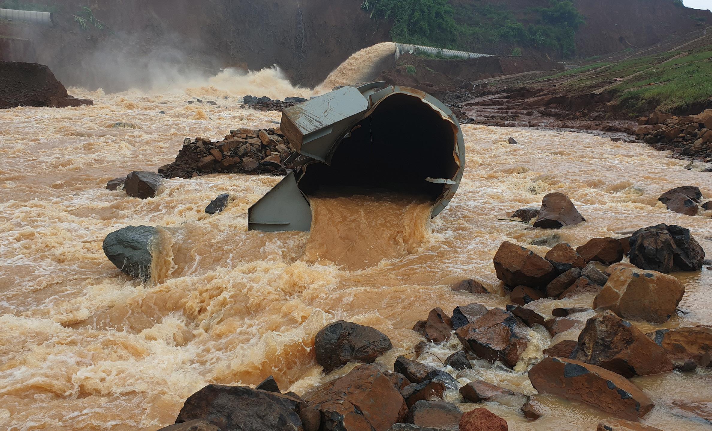 Tích nước khi thi công thủy điện là cực kỳ nguy hiểm, có thể vỡ đập
