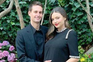 Miranda Kerr cuốn hút khi mang bầu lần 3, hạnh phúc bên chồng tỷ phú