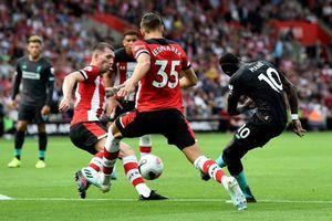 Thắng sít sao với tỷ số 2-1, Liverpool suýt chia điểm với Southampton