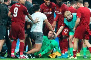 Liverpool lại khủng hoảng thủ môn… vì Cổ động viên quá khích