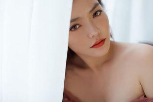 Hồng Kim Hạnh 'lột xác' với phong cách gợi cảm táo bạo