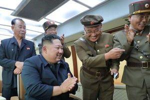 Bí ẩn loại vũ khí mới được nhà lãnh đạo Triều Tiên Kim Jong-un đích thân giám sát thử nghiệm