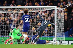 Lịch phát sóng bóng đá châu Âu ngày 18-20/8: Chelsea gặp khó, M.U 'dễ thở'