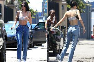Kiểu quần jeans trước sau như một của Kendall Jenner tiên đoán sẽ thành 'hot trend'