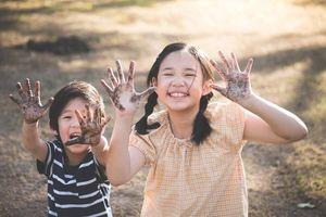 'Mặt tối' của những đứa trẻ ngoan, luôn vâng lời và làm hài lòng cả thế giới