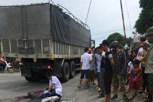 Xe máy va chạm với xe tải, một người tử vong tại chỗ