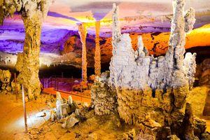 4 hang động hùng vĩ nhất ở Lào