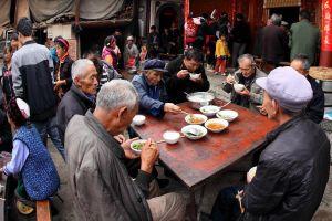 Chuyên gia cảnh báo Trung Quốc rơi vào thời kỳ 'nhạy cảm'