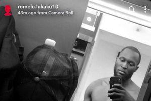Lukaku khoe cơ bụng 6 múi trước tin đồn béo phì