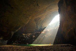 Những 'dấu chân hoang' bước tìm vườn địa đàng nơi trần thế (bài 2): Lạc trong làn mây trắng phát hiện hang động lớn nhất thế giới