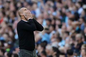 Man City bị tước chiến thắng trước Tottenham, Guardiola kêu gọi 'xem lại' VAR