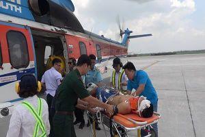 Dùng trực thăng cấp cứu một chiến sĩ Trường Sa