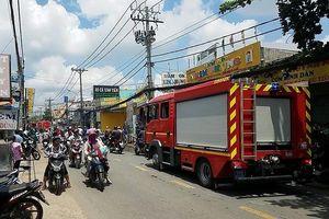 Bình Tân: Cháy gần điểm giữ trẻ, cả khu vực náo loạn