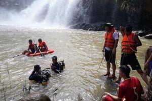 Gia Lai: Huy động lực lượng tìm kiếm 3 nạn nhân mất tích khi đi bơi
