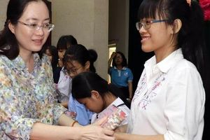 Hơn 130 tỉ đồng hỗ trợ nữ sinh nghèo hiếu học