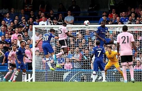 Thi đấu không tập trung, Chelsea mất điểm trước Leicester City