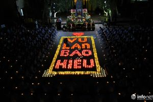Lung linh đêm hội hoa đăng cầu trường thọ tại Chùa Hòa Phúc