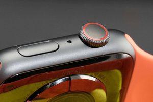 Apple Watch mới sẽ có vỏ gốm, titan