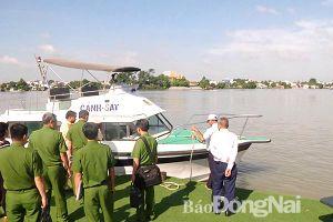 Giải pháp mạnh để chống 'cát tặc' trên sông Đồng Nai