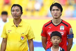 4 trọng tài V-League nhận án phạt nặng sau loạt sai lầm gây tranh cãi