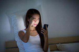 10 thói quen trước khi ngủ khiến sức khỏe của bạn tệ hại đi mỗi ngày