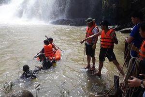 Tìm thấy 3 thi thể thanh niên mất tích tại thác nước Ia Grăng