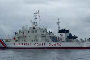 Philippines cảnh báo sắc lạnh với các tàu nước ngoài xâm phạm lãnh hải
