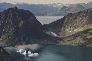 Đảo Greenland chứa 'kho báu' có thể giúp TT Trump đấu với TQ