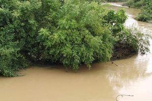 Gia cảnh khó khăn của nam thanh niên bị nước cuốn tử vong khi đi qua đập tràn