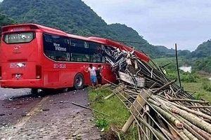 Danh tính các nạn nhân trong vụ xe khách tông xe tải ở Hòa Bình