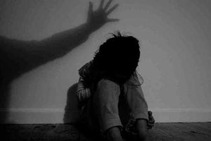 Cha dượng ở Đà Nẵng xâm hại 2 con riêng của vợ, khiến bé gái 14 tuổi có thai
